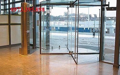 Cửa tự động trong hệ thống khách sạn
