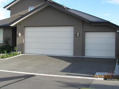 Phân phối cửa nâng garage chính hãng