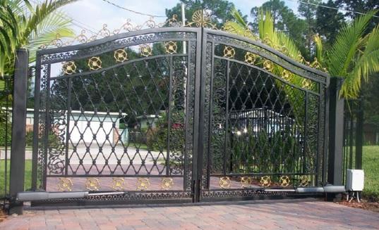 Sở hữu ngôi nhà hiện đại với cổng tự động