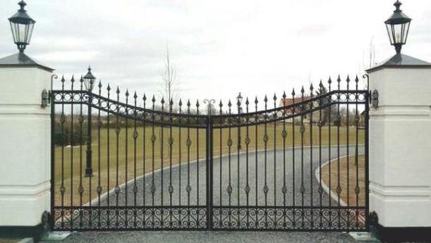 Xu hướng nhà mới với cổng tự động âm sàn
