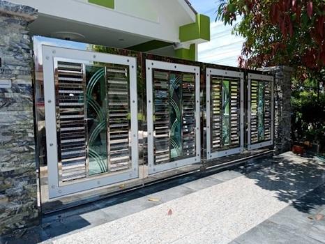 40 mẫu cổng inox 4 cánh đẹp nhất – Mẫu cổng inox nhà đẹp