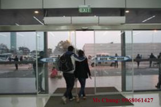 Cơ chế hoạt động của cửa tự động ở sân bay