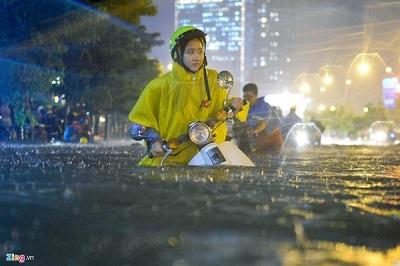 Giải pháp cho mùa mưa với cửa tự động chống ngập
