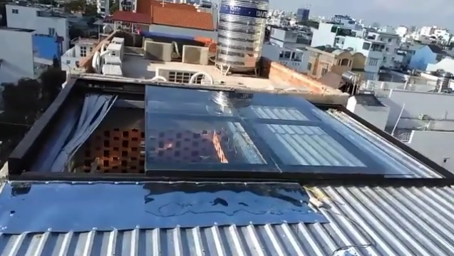 Làm mái che giếng trời cho nhà mái tôn, mái che tự động đóng mở