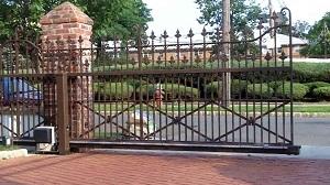 Lợi ích của cổng trượt tự động so với cổng mở cánh tự động