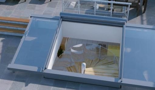 Mái che giếng trời cho nhà ống 4m, hiện đại