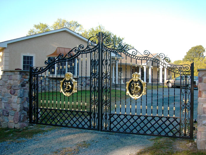 Sự hiện diện của cổng tự động trong ngôi nhà hiện đại