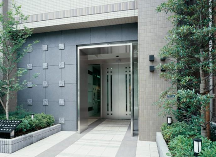 Sửa cửa tự động Nhật Bản