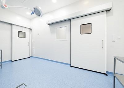 Tại sao bệnh viện cần lắp cửa tự động phòng mổ?