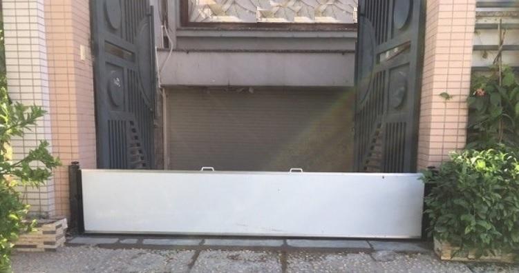 Thanh chắn ngăn nước vào nhà hiệu quả cho các hộ gia đình, nhà phố
