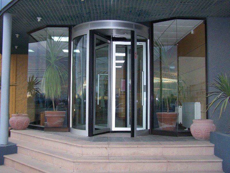 Thông tin về các loại cửa tự động phổ biến trên thị trường